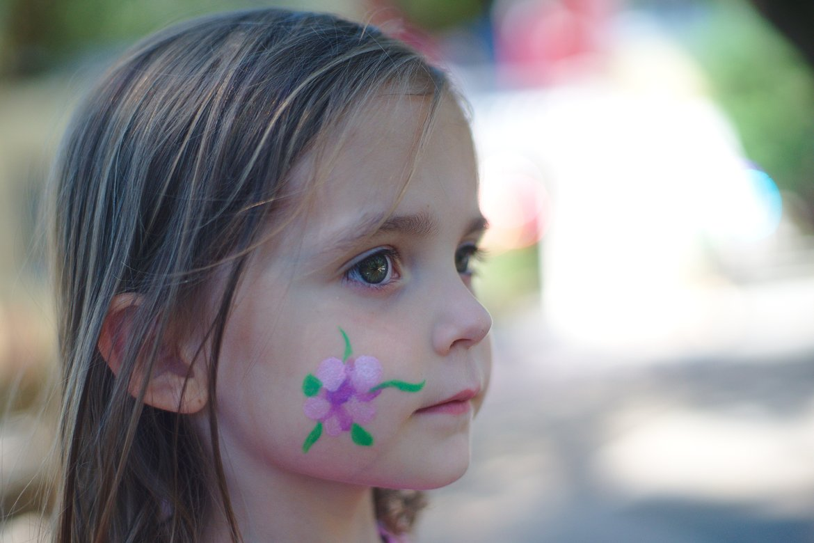 face painting photographed by luxagraf