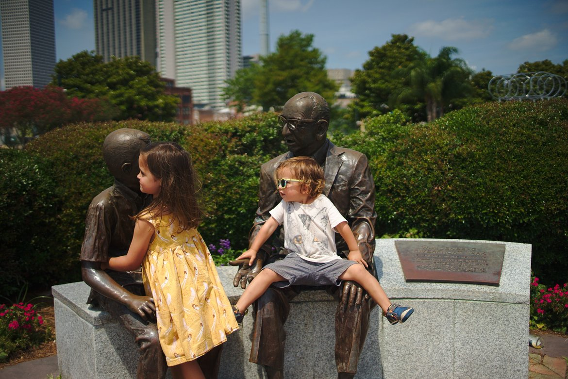 Playing on statues, new orleans photographed by luxagraf