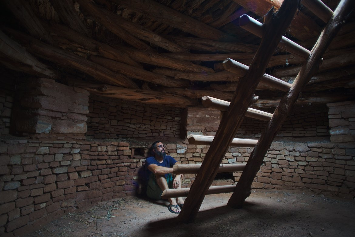 Self portrait in kiva photographed by luxagraf