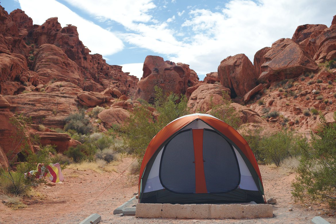 tent, Valley of Fire State Park photographed by luxagraf