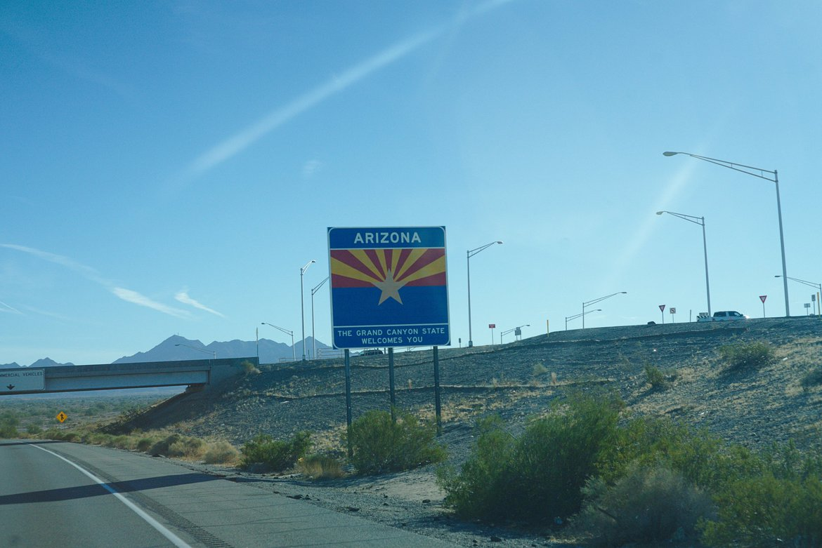 Welcome to Arizona Sign photographed by luxagraf