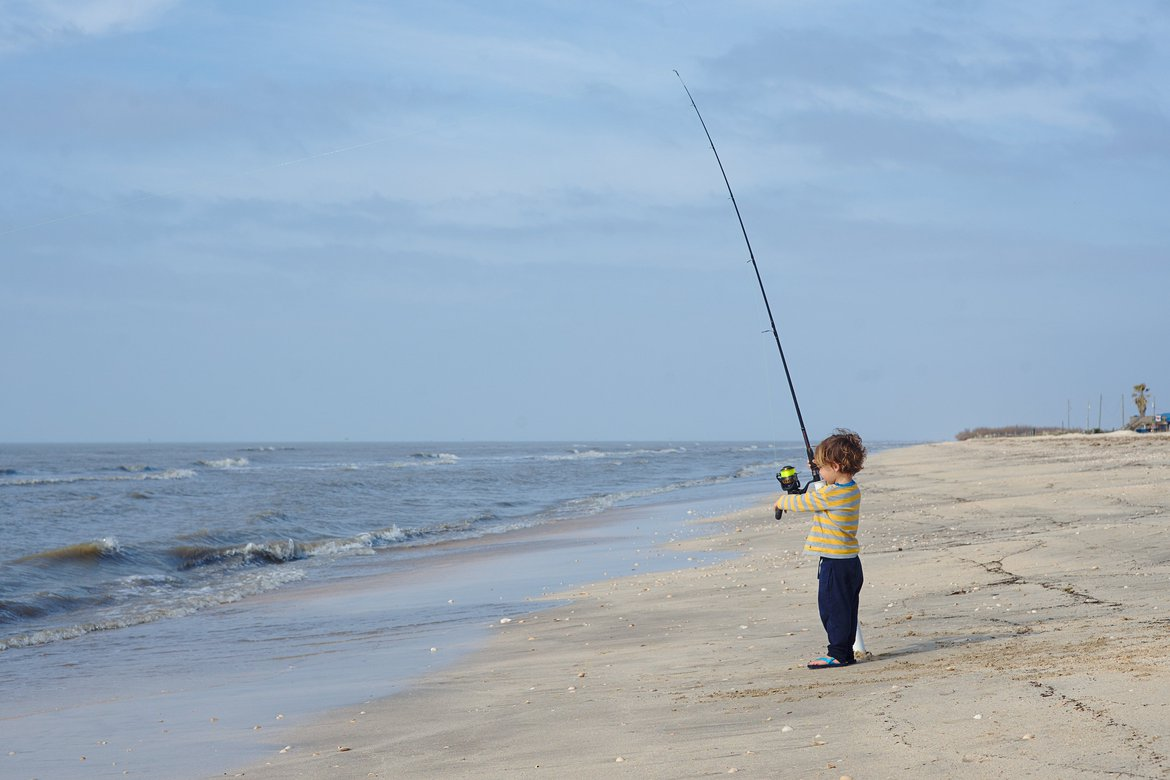 fishing rutherford beach photographed by luxagraf