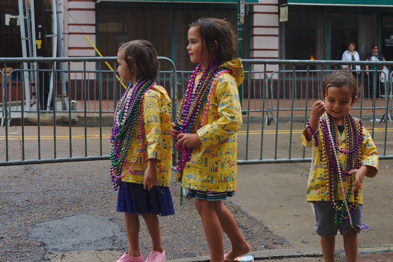 mardi gras children's parade lafayette, la photographed by luxagraf