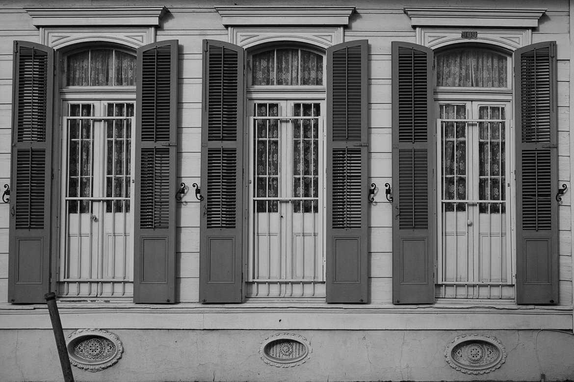 Windows, New Orleans photographed by luxagraf