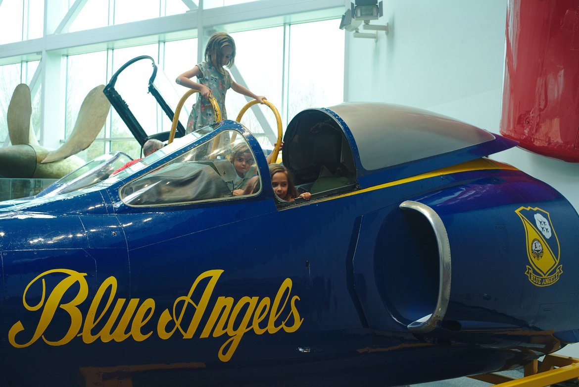 blue angels, naval air museum, pensacola photographed by luxagraf