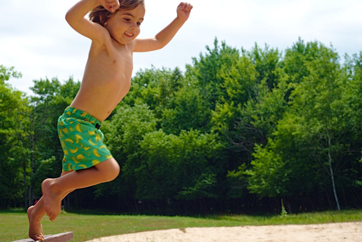 jumping, little bay de noc, MI photographed by luxagraf