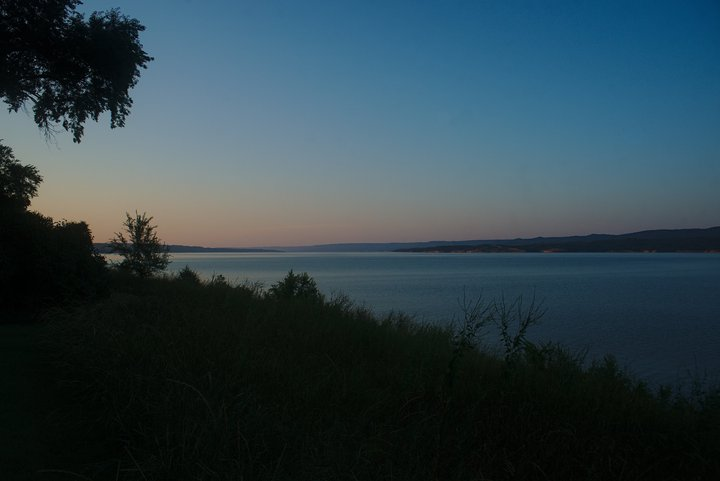 sunset over the missouri river, SD photographed by luxagraf