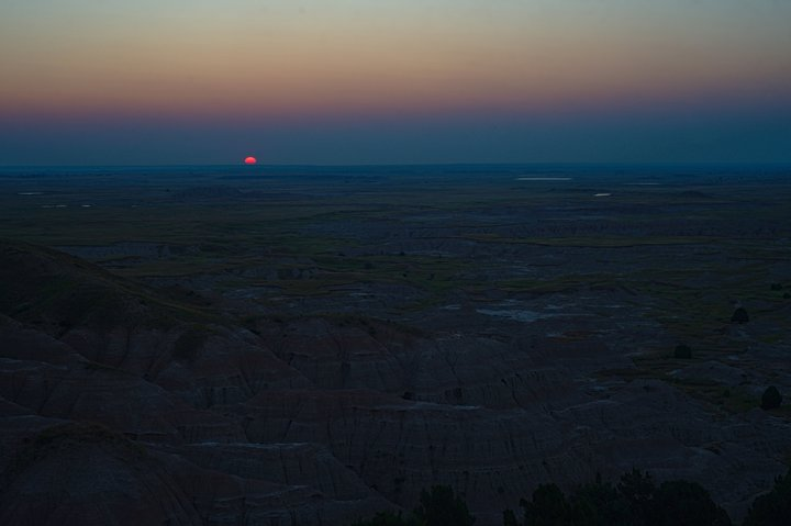 Sunrise over the Badlands, Wall, SD photographed by luxagraf